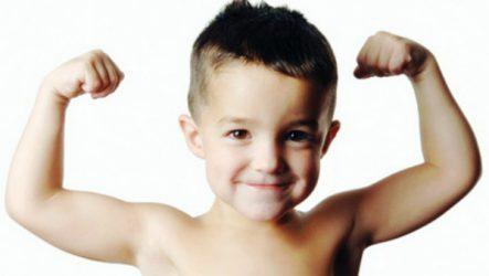 Как закалять ребенка со слабым иммунитетом если он часто болеет по Комаровскому