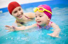 Плавание для малышей: все, что необходимо знать о модном увлечении